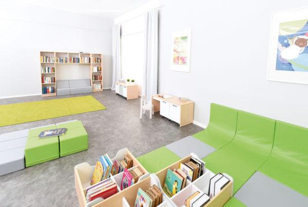 Biblioteka dla maluchów wyposażona w meble Quadro