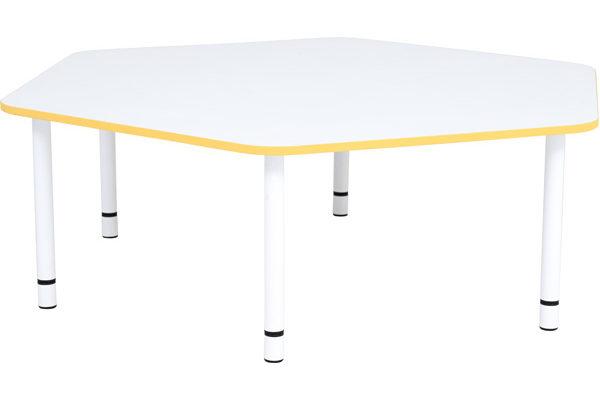 Stół Quadro o pięciokątnym kształcie i pomarańczowym obrzeżu